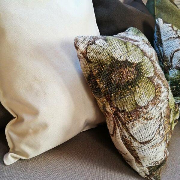 Poduszki ozdobne do mebli ogrodowych z palet.