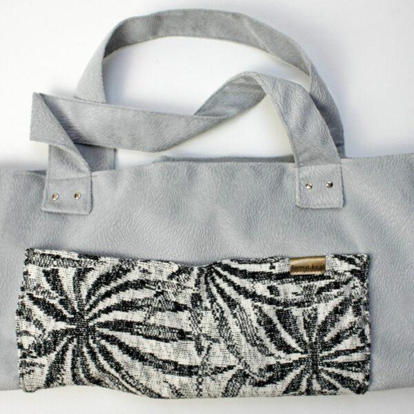 Torebka handmade z weluru siena z podszewką z grafitowej zasłony i kieszenią ze srebrnego swetra.