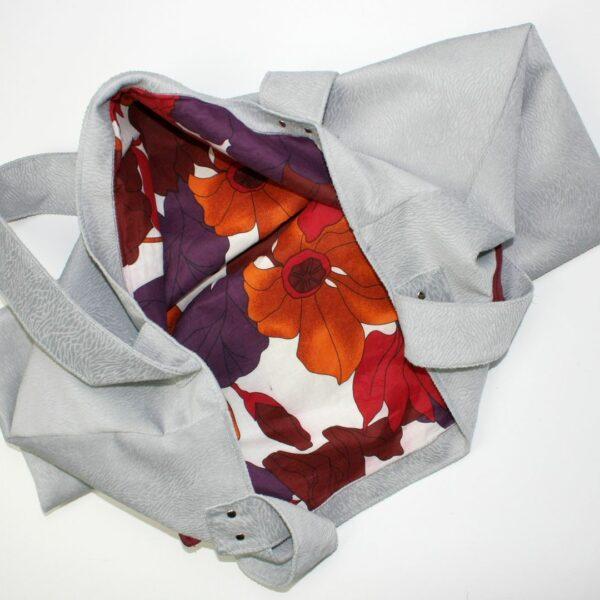 Torebka handmade z weluru siena z podszewką z grafitowej zasłony i kieszenią z bordowej bluzy abercrombie & fitch.