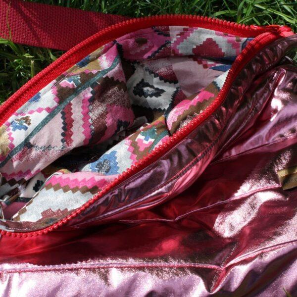 torba z recyklingu błyszcząca pikowka z suwakiem