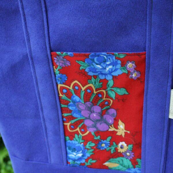 Kieszeń szoperki z czerwonej folkowej chusty.